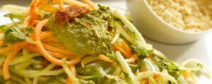 Pates tricolores avec sauce pesto et rawmezan