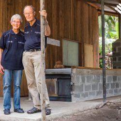 Dan en Maureen de initiatief nemers van et Niulife Solomon kokosolie project