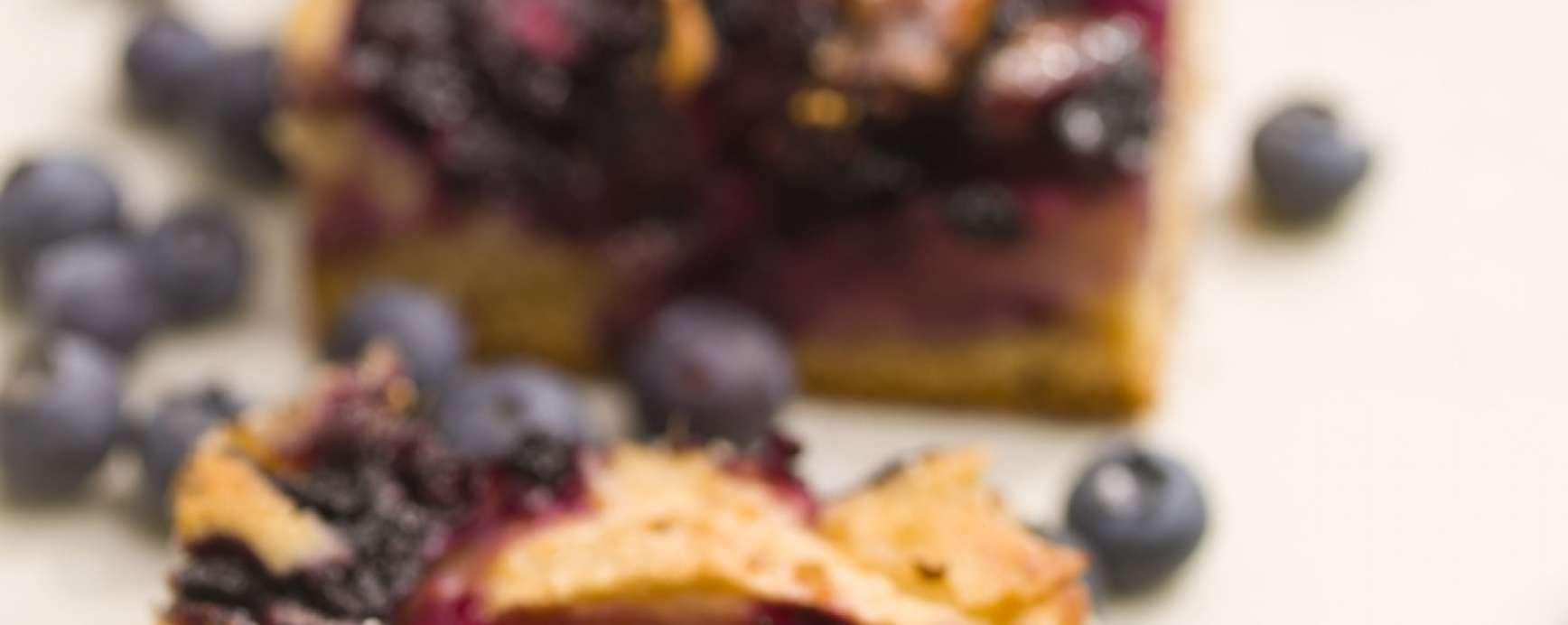 appelplaat cake met bosvruchten