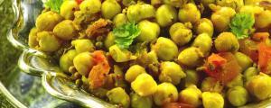 Recept met Kokosolie, olijfolie en rode palmolie: Ayurvedische kikkererwten in een kruidige tomatensaus of chana masala