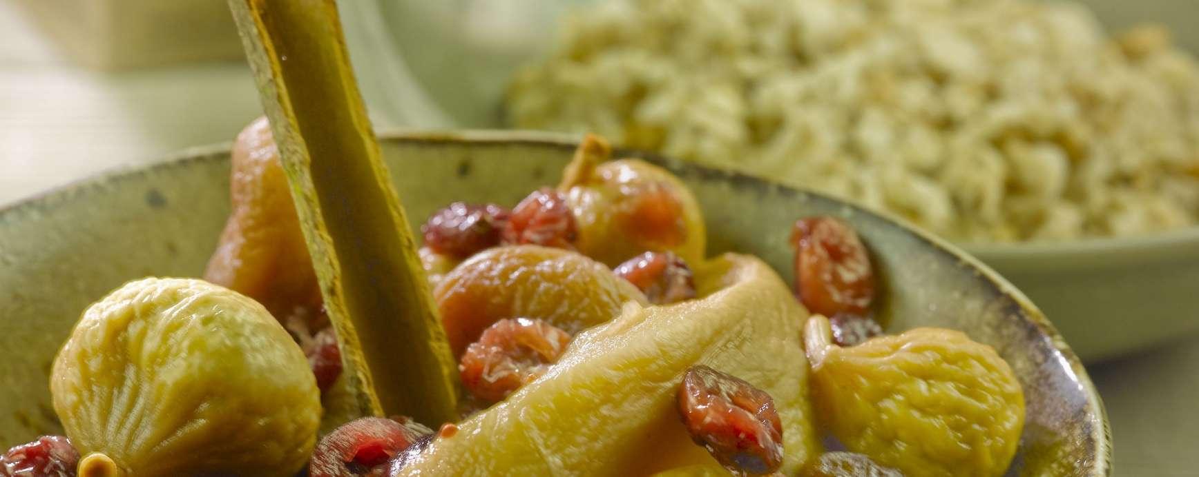 ayurvedische vruchtenschotel (chai kruiden en palmsuiker)