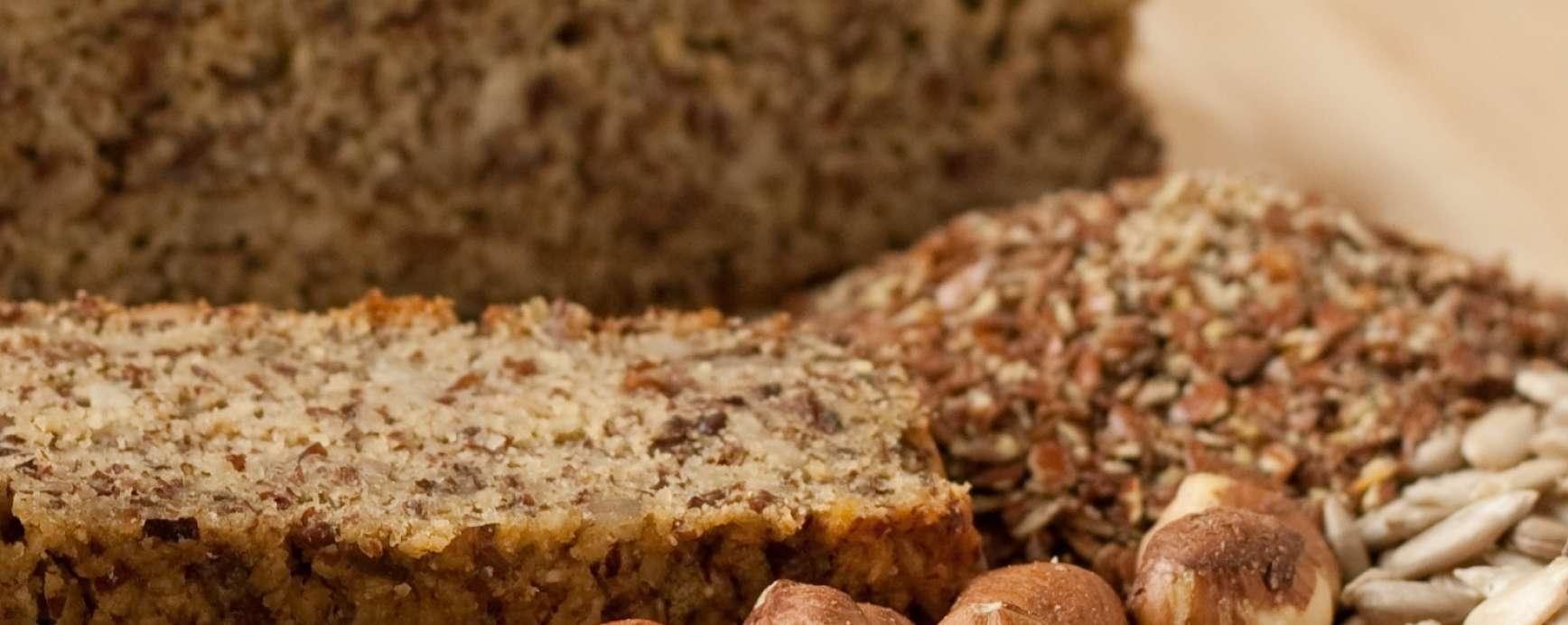Amandelbrood of hazelnotenbrood