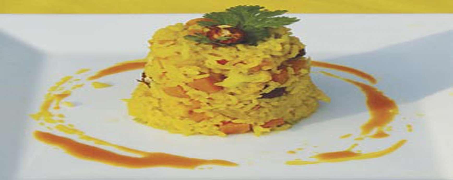 Groenten in de wok met hazelnoten