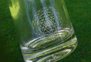 La bouteille Eco Respekt cosmogramme vortex