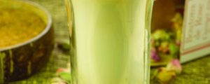 Recept met kokosbloesemsuiker: Lassi met rozensmaak
