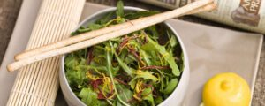 Recept met wheat germ: Mesclun salad with bergamot