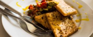 Recept met Verde Salud olive oil: Panelle with an avocado and tomato salad: versatile and healthy delicious