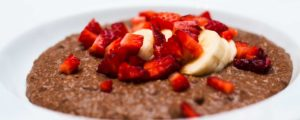 Recept met sports and performance drink powder: Gluten-free almond flour porridge with cacao.