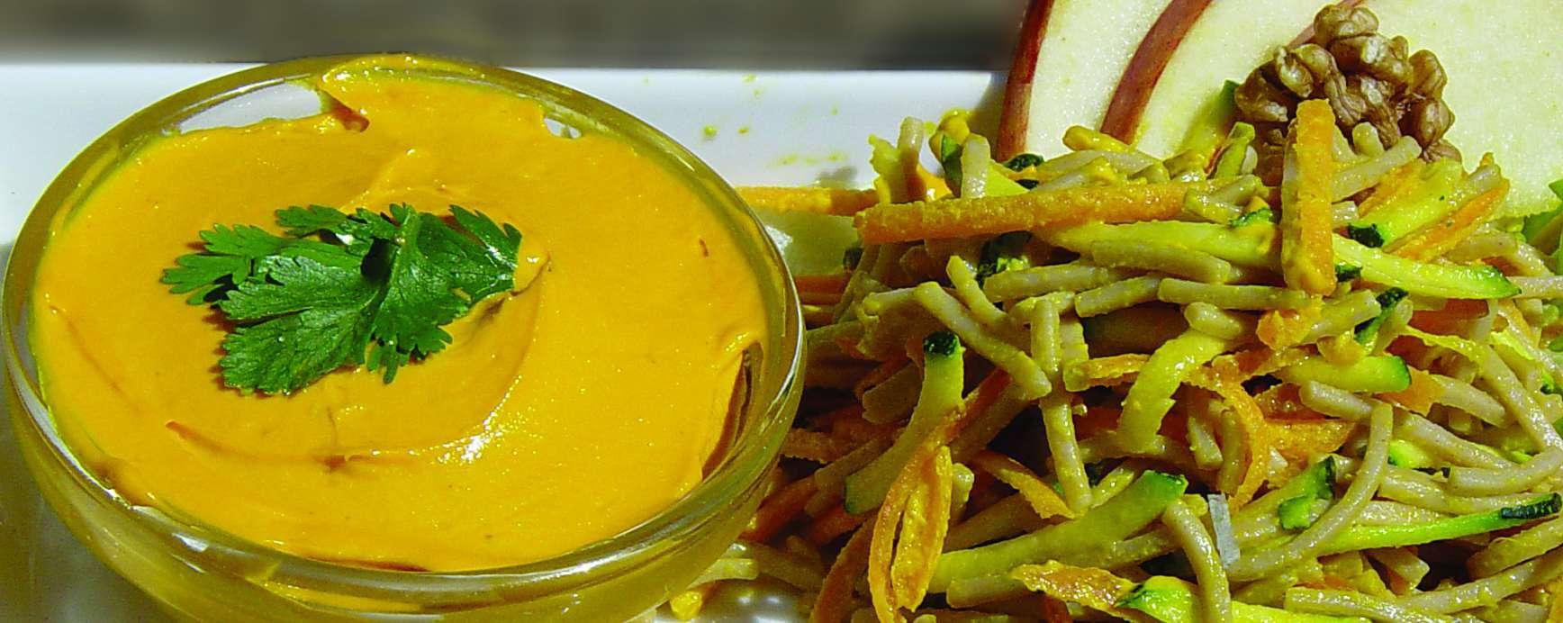 Rode mayonaise met macaroni salade