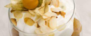 Recept met kokosbloesemsuiker: Trifle van gedroogde abrikozen met pistaches